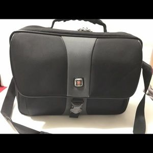 SwissGear By Wenger Black Laptop Messenger Bag